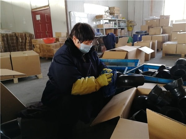Q.C before load to carton box